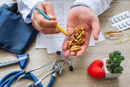 Orzechy włoskie zapobiegają nadciśnieniu