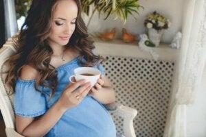 Picie herbaty w ciąży: wszystko, co musisz wiedzieć