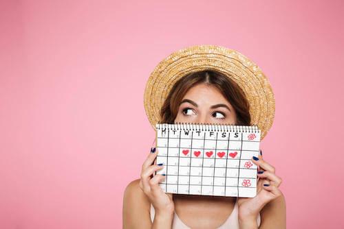 Kobieta z kalendarzem