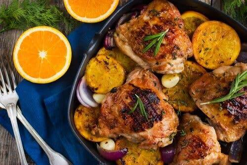 Kurczak z cytrusami: z pomarańczami i rozmarynem