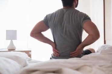 Zapalenie nerwu kulszowego: objawy i domowe remedia