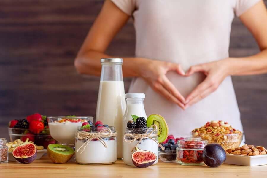 Dieta śródziemnomorska: nauka potwierdza zależność pomiędzy zdrową dietą a pracą układu trawiennego.