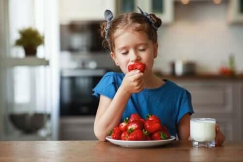 3 letnie owoce, które warto jeść