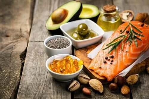 Czy warto całkowicie wyeliminować tłuszcze z diety?