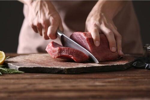 Dieta mięsna: na czym polega i kto może ją stosować?
