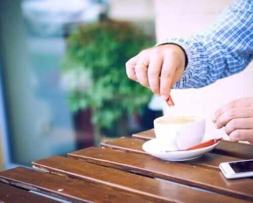 Naturalne słodziki: jak ograniczyć spożycie cukru?