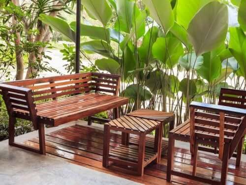 Drewno to symbol spokoju i naturalności.