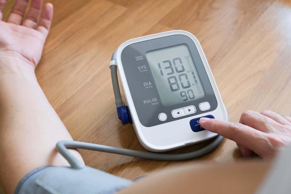Melatonina reguluje ciśnienie tętnicze i może przysłużyć się osobom z nadciśnieniem.