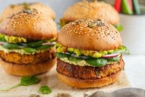 2 przepisy na przepyszne warzywne burgery
