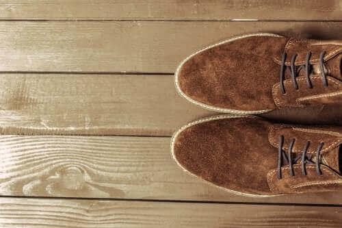 Jak czyścić buty z zamszu - kilka wskazówek