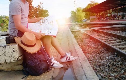 Kobieta na peronie