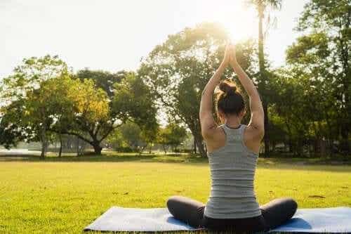 Joga dla relaksu: poznaj 6 ważnych pozycji
