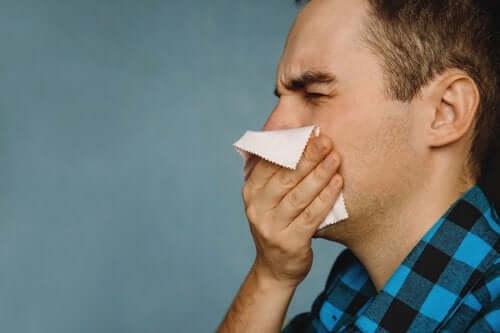 Strupy na nosie - domowe sposoby, by się ich pozbyć