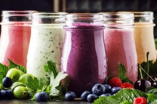 Koktajle z owoców i jogurtu: po co je robić?
