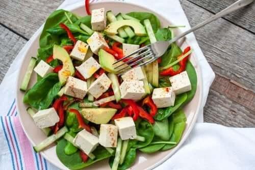 Ta kombinacja dostarcza dość składników odżywczych, by zapewnić podaż energii na cały dzień.