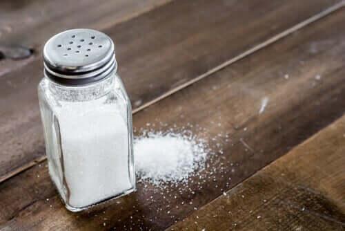 Sól na stole