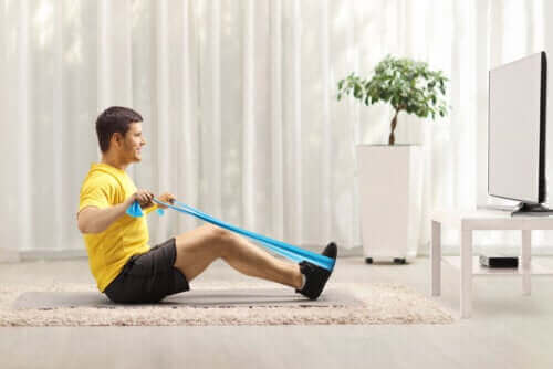 Taśmy oporowe na wzmocnienie pleców - ćwiczenia
