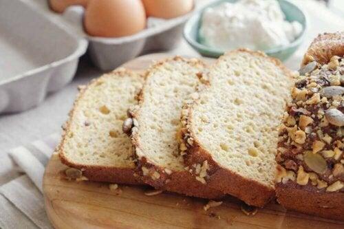 Chlebek migdałowy