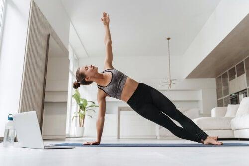 Ćwiczenia typu deska