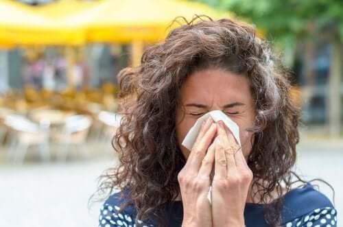 Jak radzić sobie z objawami alergii na pyłki?