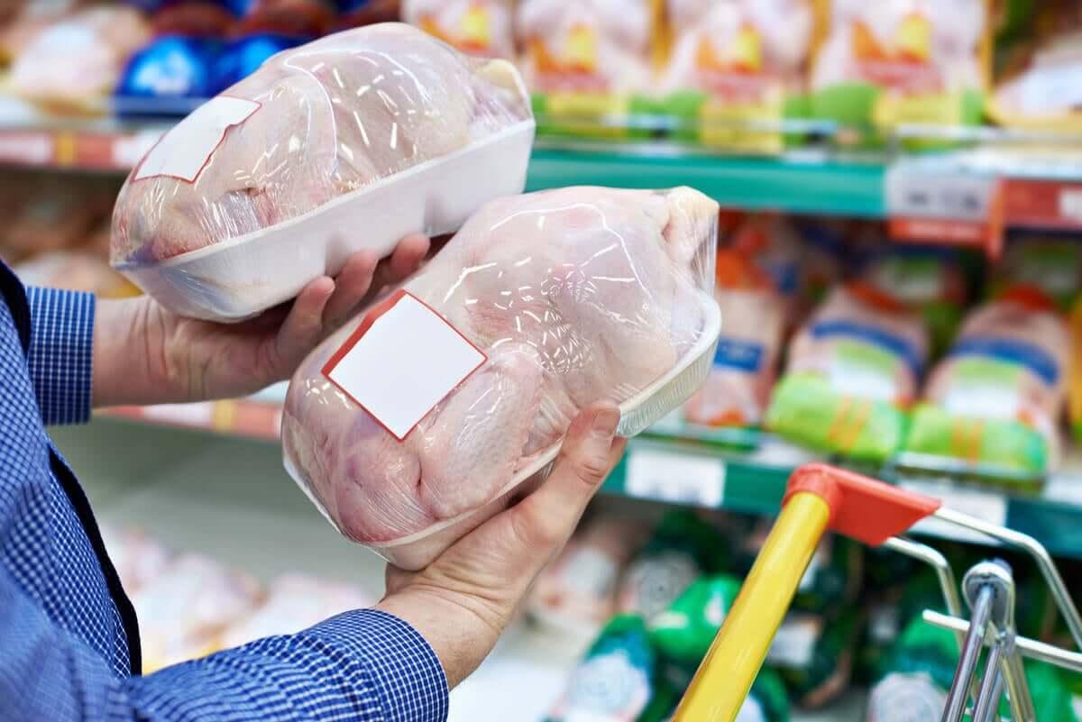 Kurczak to źródło białka i witamin z grupy B.
