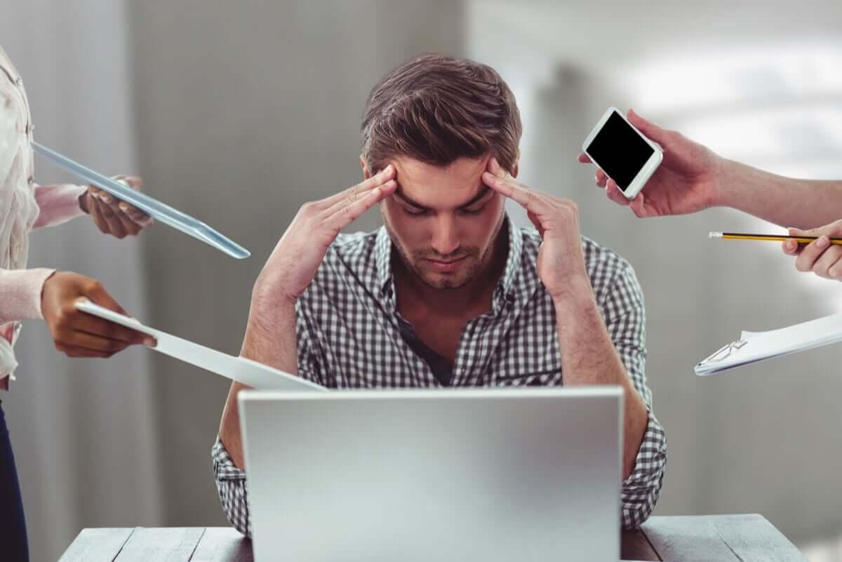 Ogólny zespół adaptacyjny pojawia się w reakcji na stres.