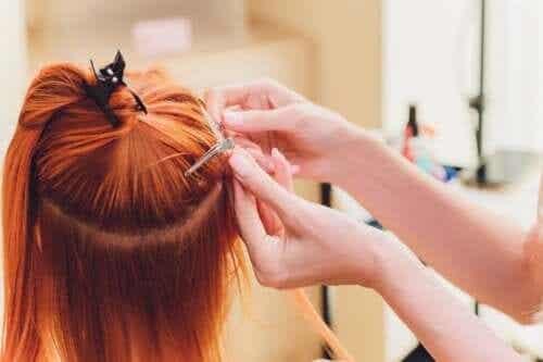 Czy doczepianie włosów jest ryzykowne?