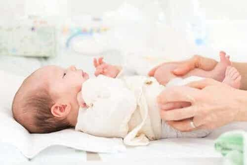Wrodzone zwichnięcie stawu biodrowego u niemowląt