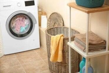 Jak usunąć zapach mokrego ręcznika?