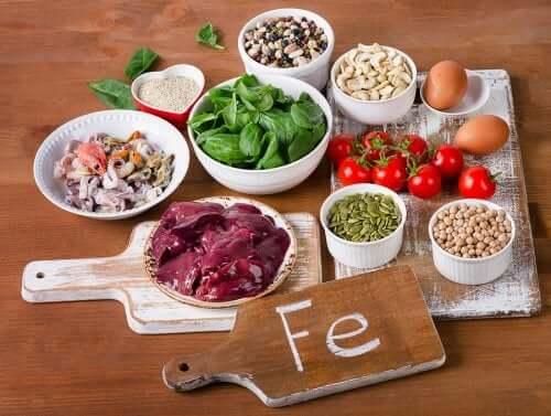 Jak zwiększyć wchłanianie żelaza z żywności? 4 sposoby