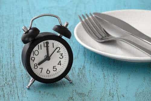 Dieta IF, czyli post przerywany: istotne informacje
