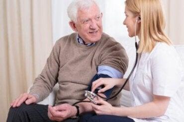 Jak kontrolować wysokie ciśnienie krwi?