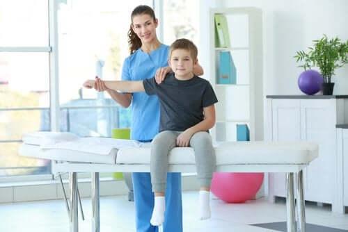 Fizjoterapia dziecięca - na czym polega?