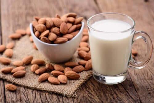 Mleko migdałowe dla dzieci: zalety i wady