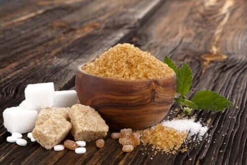 Cukier biały, brązowy i muscovado: podobieństwa i różnice