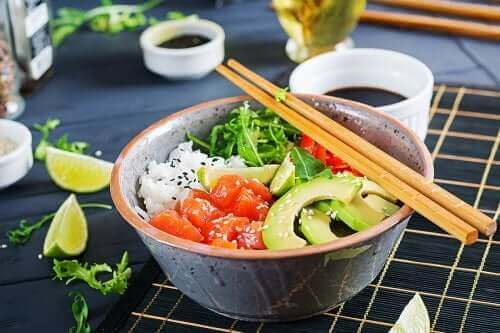 Przepisy na sałatki z ryżem, które musisz wypróbować
