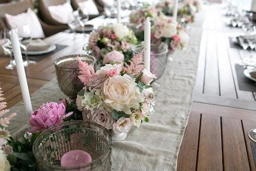 Udekorowany stół