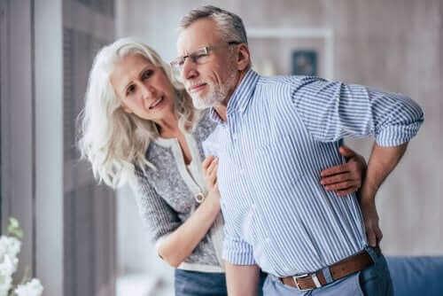 Bóle przebijające: objawy i leczenie