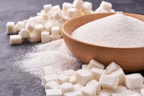 Spożycie cukru: poznaj mity na jego temat
