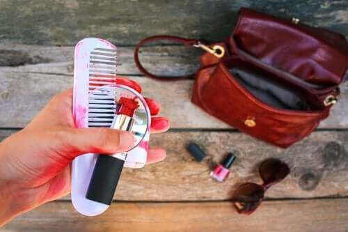 Jak przedłużyć trwałość kosmetyków: 4 wskazówki