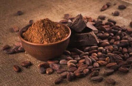 Kakao w postaci proszku i nasion