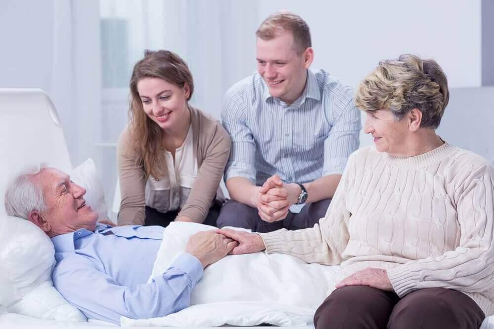 Rodzina przy chorym dziadku - rola rodziny w leczeniu pacjentów