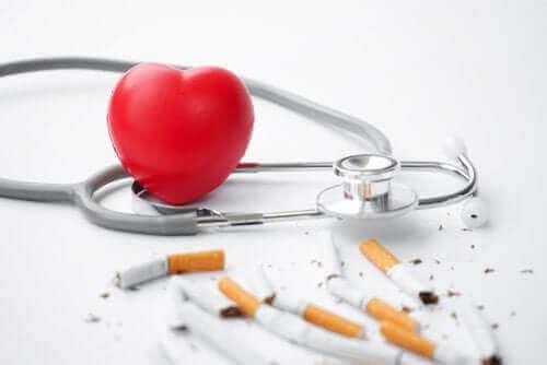 W jaki sposób palenie wpływa na serce?