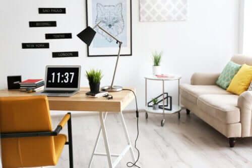 Dekoracja biura - 8 wskazówek, jak urządzić miejsce pracy