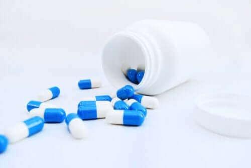 Kapsułki wysypane z opakowania - Albendazol