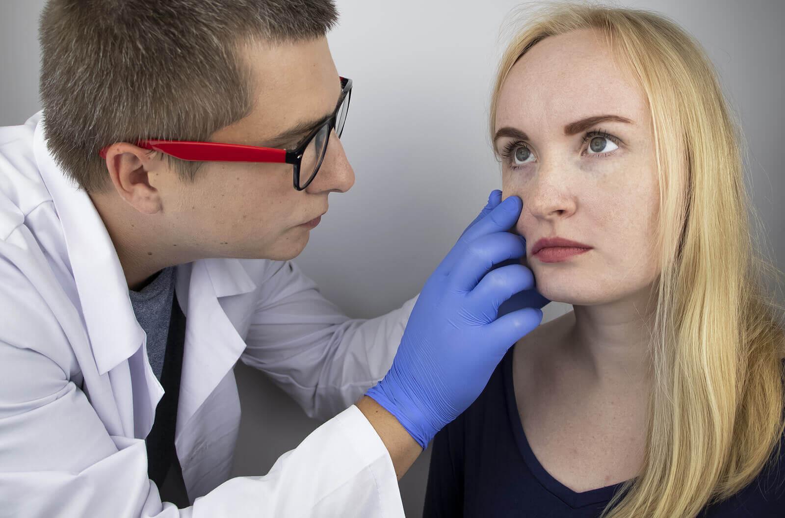Choroba może doprowadzić do utraty wzroku.