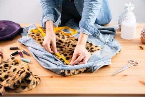 Jak spersonalizować ubrania - 5 wskazówek jak zmienić swoją garderobę