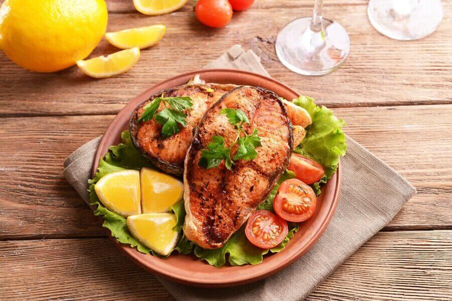 Wizualny aspekt jedzenia nie powinien być zaniedbywany. Z wiekiem smak i węch bowiem słabną.