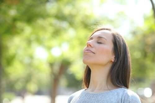 Terapia ciszą i jej zalety - poznaj je!