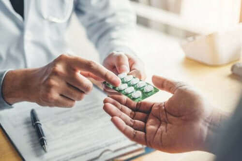 Osoba otrzymująca tabletki - Albendazol